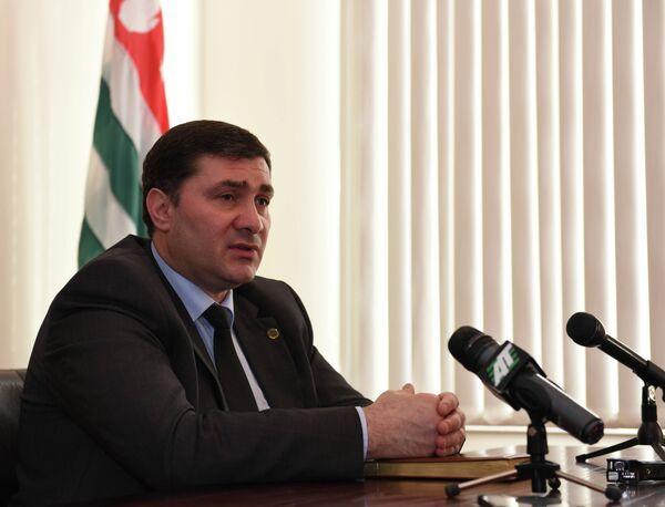 Первый вице-премьер Шамиль Адзынба. Архивное фото. - Sputnik Абхазия