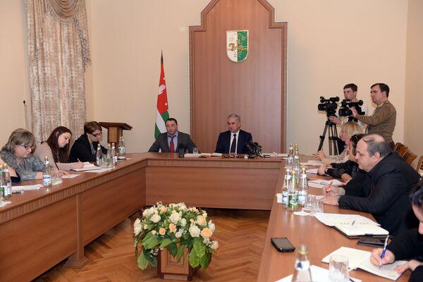 Президент Абхазии Рауль Хаджимба. Фото с места события. - Sputnik Абхазия
