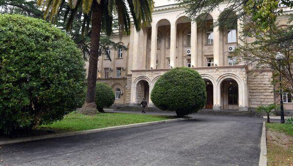 Президентский дворец Абхазии. Архивное фото. - Sputnik Аҧсны