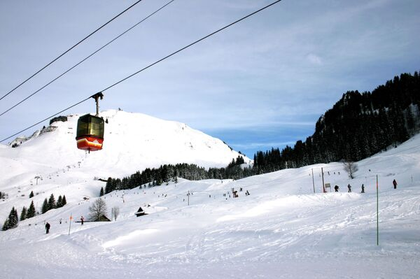 Во французских Альпах. На редкость снежная зима выдалась в Западной Европе - Sputnik Абхазия