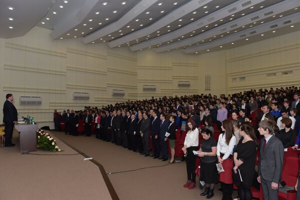 Встреча президента с молодежью. Фото с места события. - Sputnik Абхазия