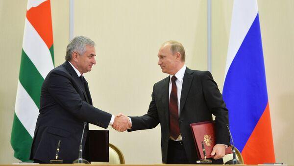В.Путин встретился с Р.Хаджимбой в Сочи - Sputnik Аҧсны