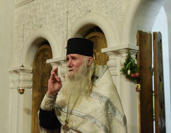 Рождественская служба в Сухумском кафедральном соборе - Sputnik Абхазия