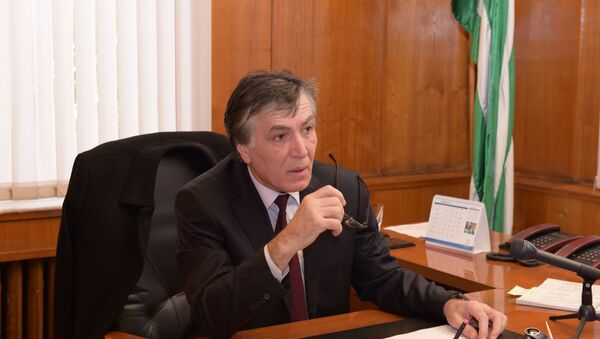 Министр здравоохранения Андзор Гоов. - Sputnik Абхазия