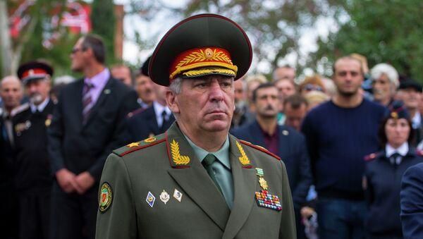 Министр обороны Мераб Кишмария. Архивное фото. - Sputnik Абхазия