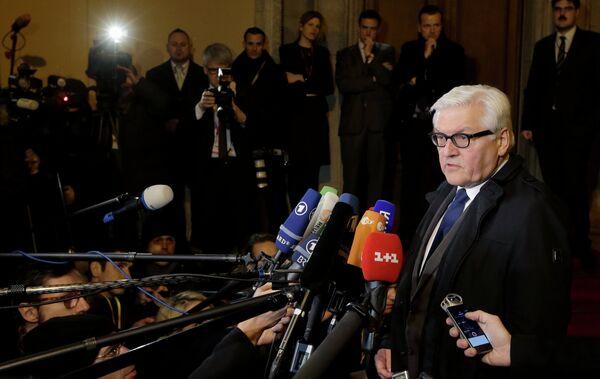 Министр иностранных дел Германии Франк-Вальтер Штайнмайер обращается к СМИ. - Sputnik Абхазия