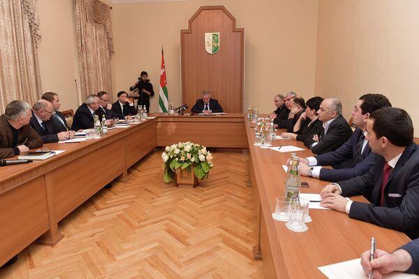 Заседание комиссии при президенте по конституционной реформе. Архивное фото. - Sputnik Абхазия