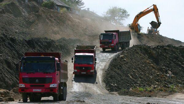 Строительство участка автомобильной дороги. Аръивное фото. - Sputnik Абхазия