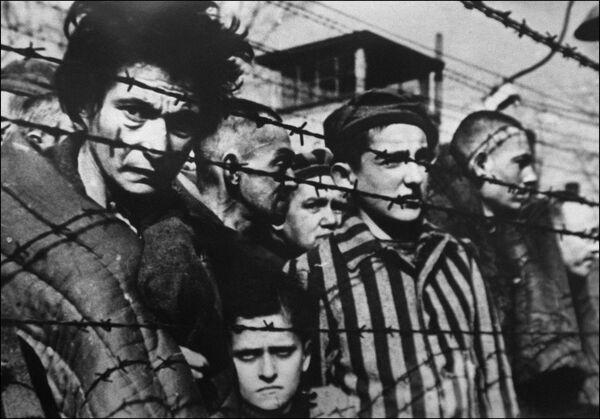 Концентрационный лагерь Освенцим в Польше. Архивное фото. - Sputnik Абхазия