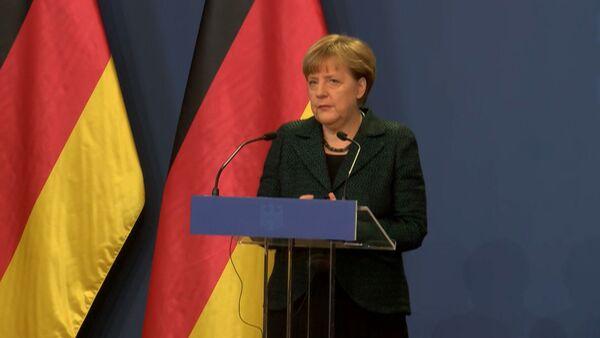 Германия не поддержит Украину оружием – Меркель о ситуации в Донбассе - Sputnik Абхазия