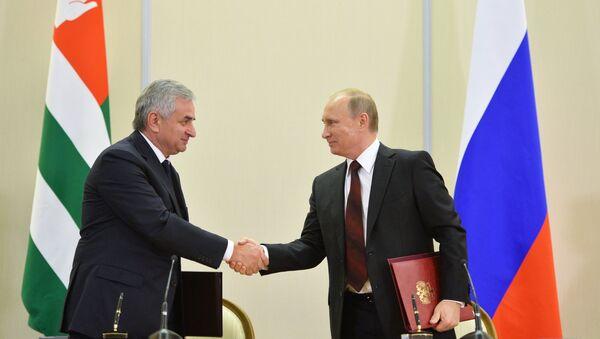 В.Путин встретился с Р.Хаджимбой в Сочи - Sputnik Абхазия