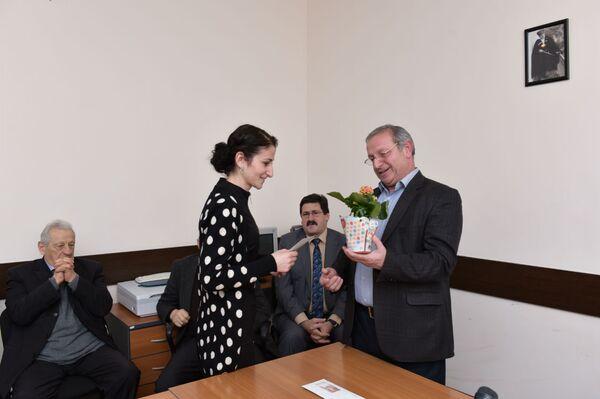 Вручение ежегодной литературной премии в редакции журнала Алашара - Sputnik Абхазия