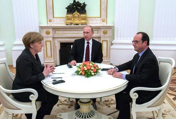 Президент России В.Путин провел рабочую встречу с канцлером ФРГ А.Меркель и президентом Франции Ф.Олландом - Sputnik Абхазия