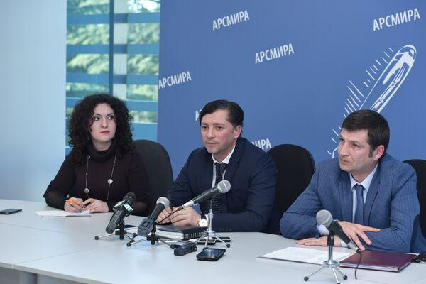 Вице-президент РА Виталий Габния. Фото с места события. - Sputnik Абхазия