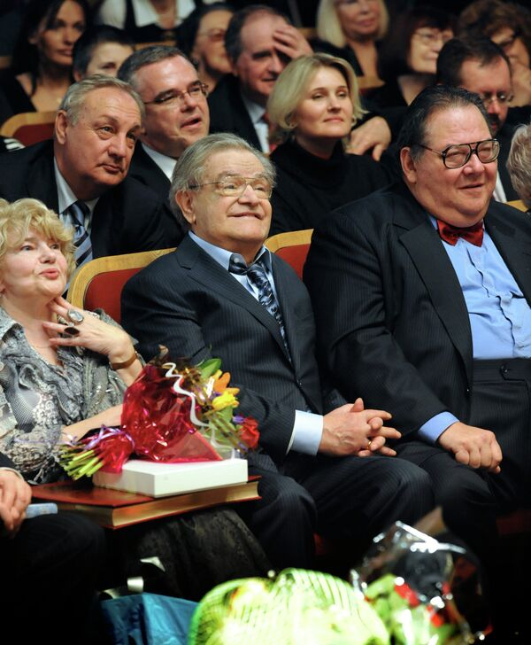 Писатель Фазиль Искандер отметил 80-летний юбилей в Доме Актера в Москве - Sputnik Абхазия