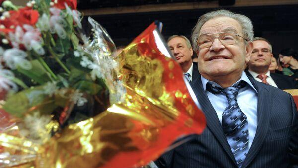 Писатель Фазиль Искандер отметил 80-летний юбилей в Доме Актера в Москве - Sputnik Аҧсны