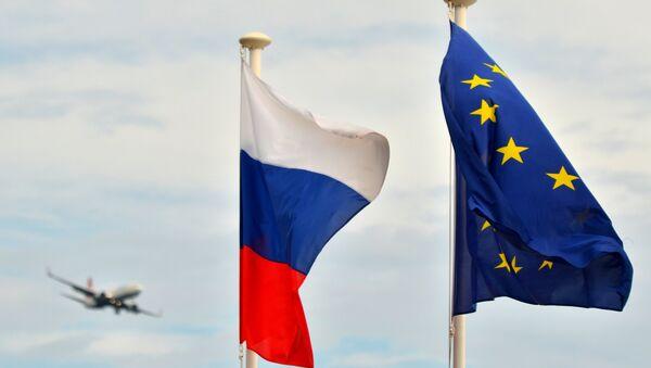 Флаги России и ЕС. Архивное фото - Sputnik Абхазия