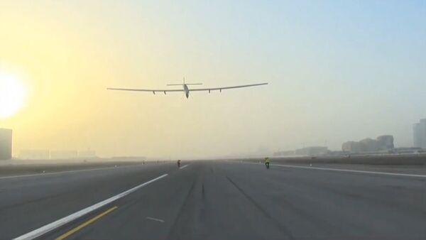 Первый этап кругосветки самолета на солнечных батареях: из Абу-Даби в Маскат - Sputnik Абхазия