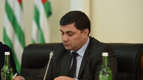 Вице-премьер Шамиль Адзынба. Архивное фото. - Sputnik Абхазия