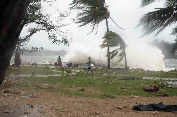 Последствия тропического циклона Пэм в Ванута, 14 марта 2015 года. - Sputnik Абхазия