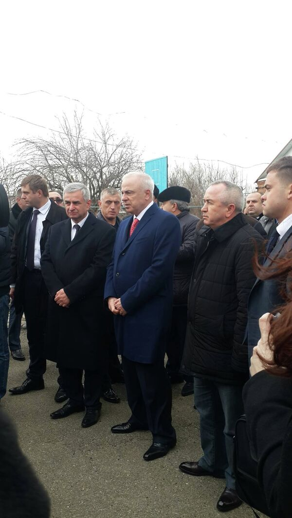 Рабочий визит президента Абхазии Рауля Хаджимба в Республику Адыгея - Sputnik Абхазия