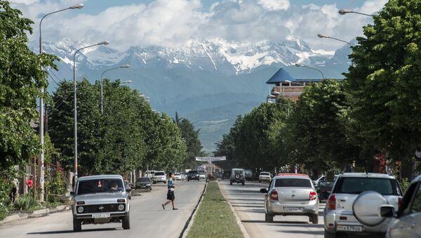 Вид на одну из городских улиц в Цхинвале. Архивное фото. - Sputnik Абхазия