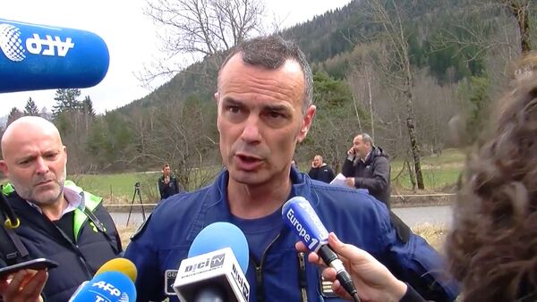Спасатель о трудностях поисковых работ на месте крушения Airbus A320 - Sputnik Абхазия