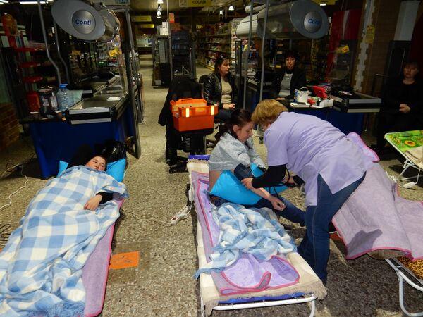 Второй день голодовки сотрудников ТК Континент. Фото с места события. - Sputnik Абхазия