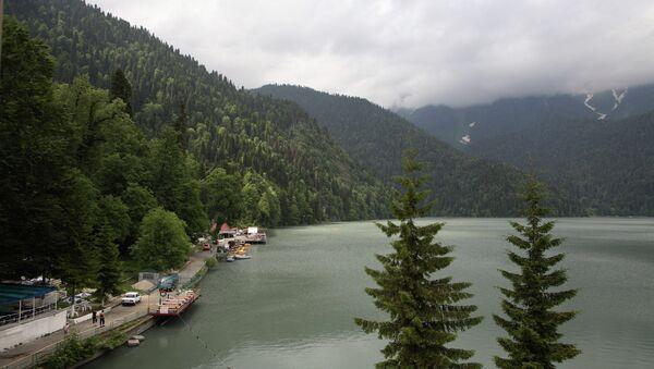 Озеро Рица. Архивное фото. - Sputnik Абхазия