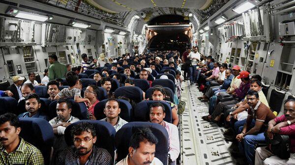 Эвакуированные граждане Индии. 2 апреля 2015. - Sputnik Абхазия