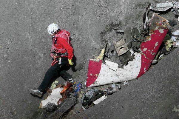 Обломки самолета Airbus A320 потерпевшего крушение во Франции. Архивное фото. - Sputnik Абхазия
