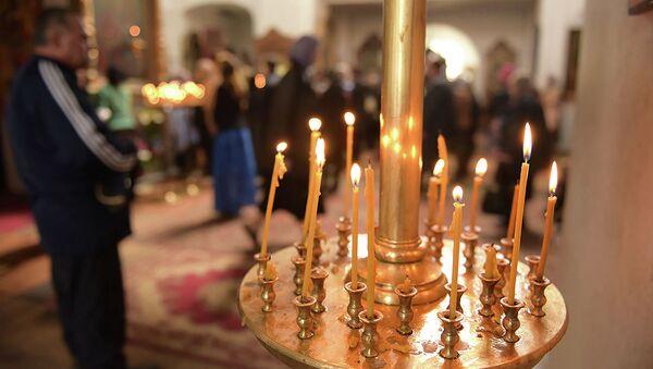 Свечи в храме - Sputnik Абхазия