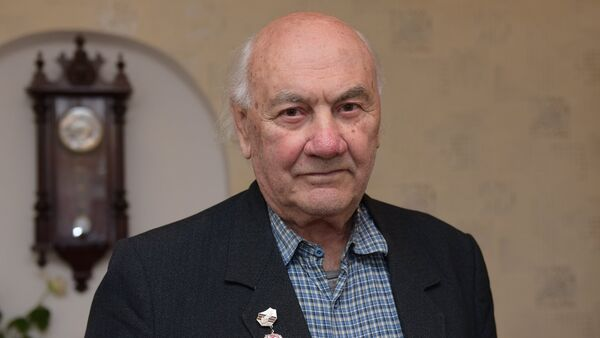 Ветеран ВОВ Чакрян Арсен Амбарцумович. - Sputnik Абхазия