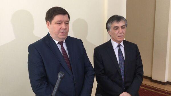 Анатолий Гулин и Андзор Гоов. Архивное фото. - Sputnik Абхазия