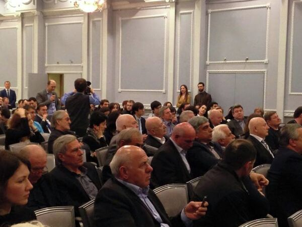 Рауль Хаджимба на встрече с московской диаспорой . Фото с места события. - Sputnik Абхазия