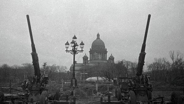 Зенитчики на страже Ленинградского неба. - Sputnik Абхазия