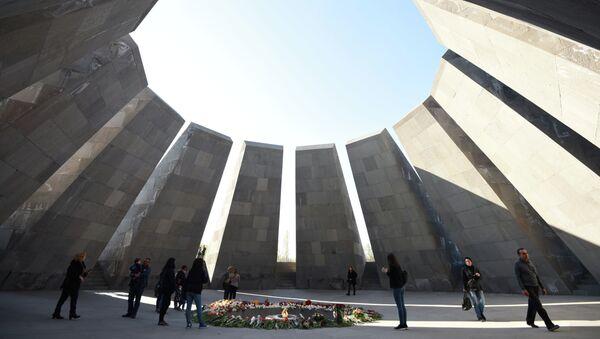 Мемориал памяти жертв геноцида армян Цицернакаберд. Архивное фото. - Sputnik Абхазия