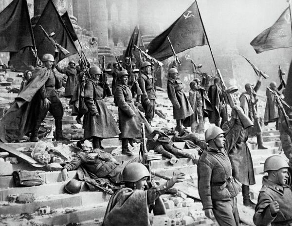 Кадр из фильма Падение Берлина - Sputnik Абхазия