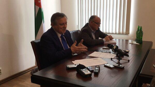 Премьер-министр рассказал о проблемах при пересечении границы - Sputnik Абхазия