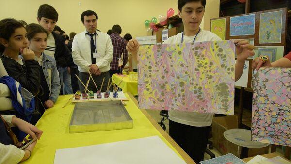 Роботы, огненная радуга, рисунки на воде – школьники представили свои работы - Sputnik Абхазия