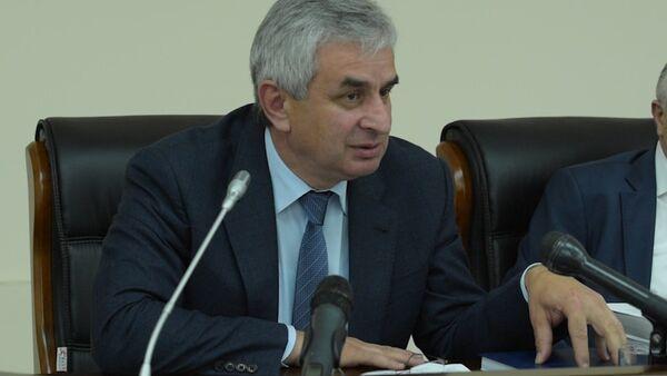 Рауль Хаджимба прокомментировал проект стратегии развития Абхазии - Sputnik Абхазия