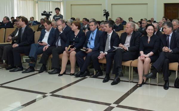 Заседание по стратегическому развитию РА II этап. Фото с места события. - Sputnik Абхазия