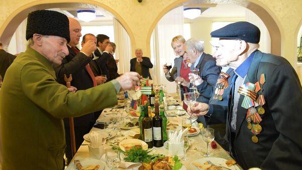 Ветераны двух войн встретились в Сухуме - Sputnik Абхазия