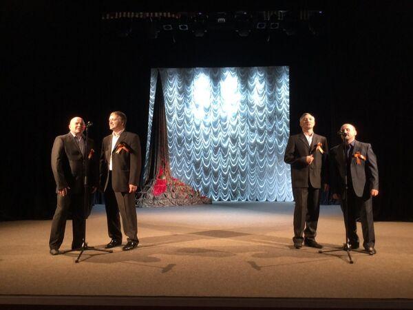 Русский театр драмы подарил жителям столицы праздничный концерт - Sputnik Абхазия
