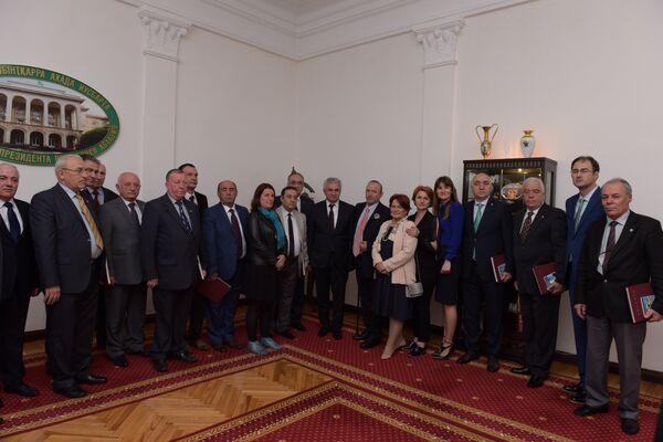 Хаджимба встретился с представителями абхазской диаспоры Турции - Sputnik Абхазия