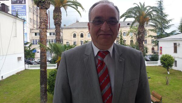Председатель Федерации абхазских культурных центров в Турции Ченгиз Коч Ашуба - Sputnik Абхазия