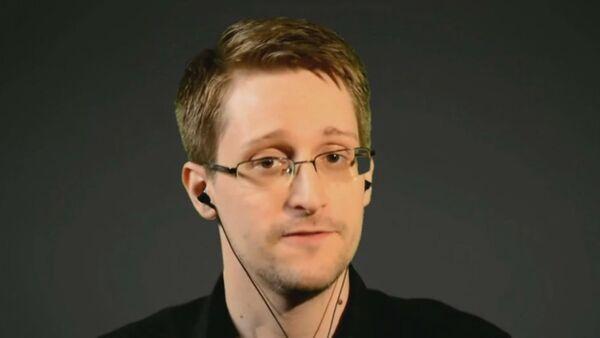 Она была незаконной и безрезультатной – Сноуден о программе слежки в США - Sputnik Абхазия