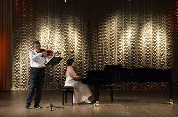 Концерт Виктора Абрамяна и Натальи Богдановой - Sputnik Абхазия