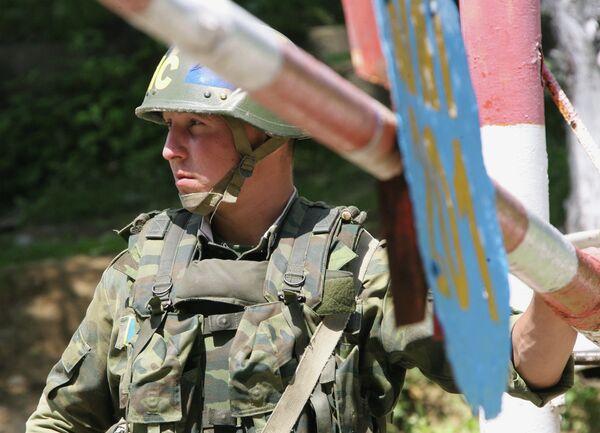 Российский миротворец в Абхазии. Архивное фото - Sputnik Абхазия