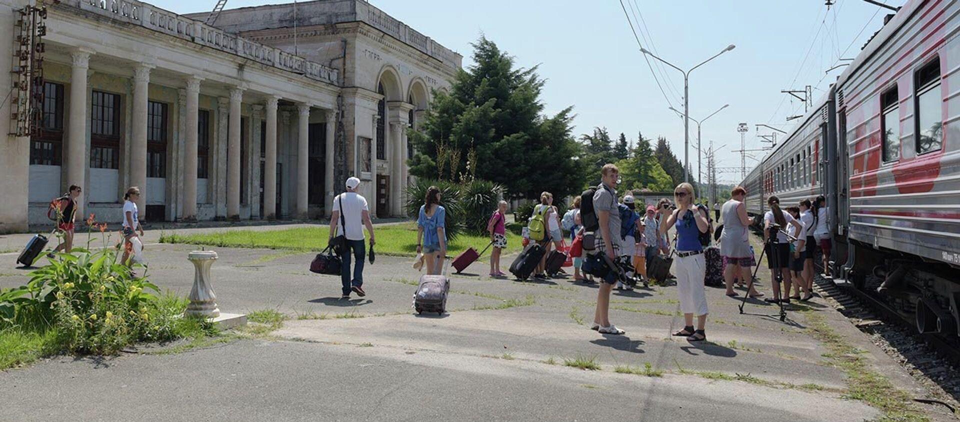 Первые пассажиры высоко оценили преимущества ж/д рейса Адлер–Гагра. - Sputnik Абхазия, 1920, 31.05.2021